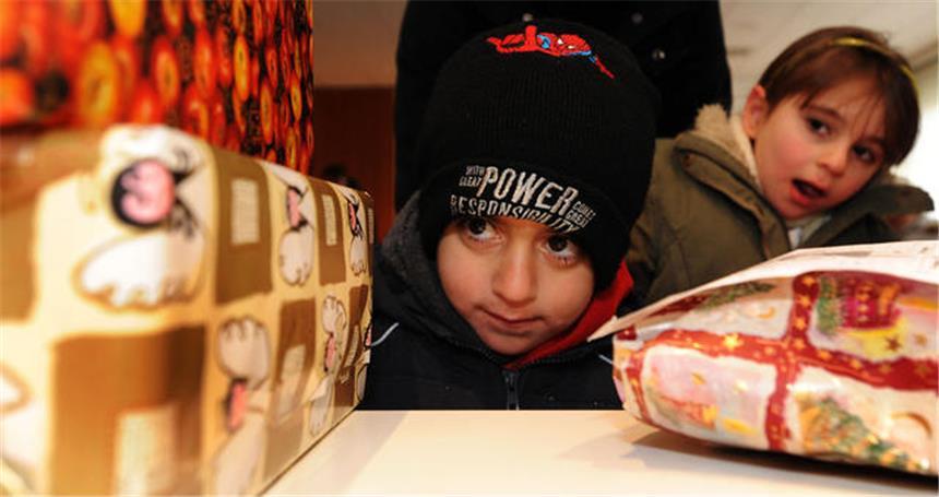 350 Geschenke für bedürftige Kinder