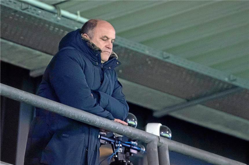 VfL Bochum entlässt Vorstand Hochstätter und Trainer Rasiejewski