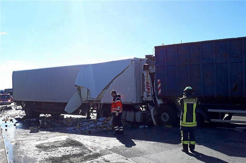 Unfall mit zwei Lkw: A1 vor Westhofener Kreuz gesperrt