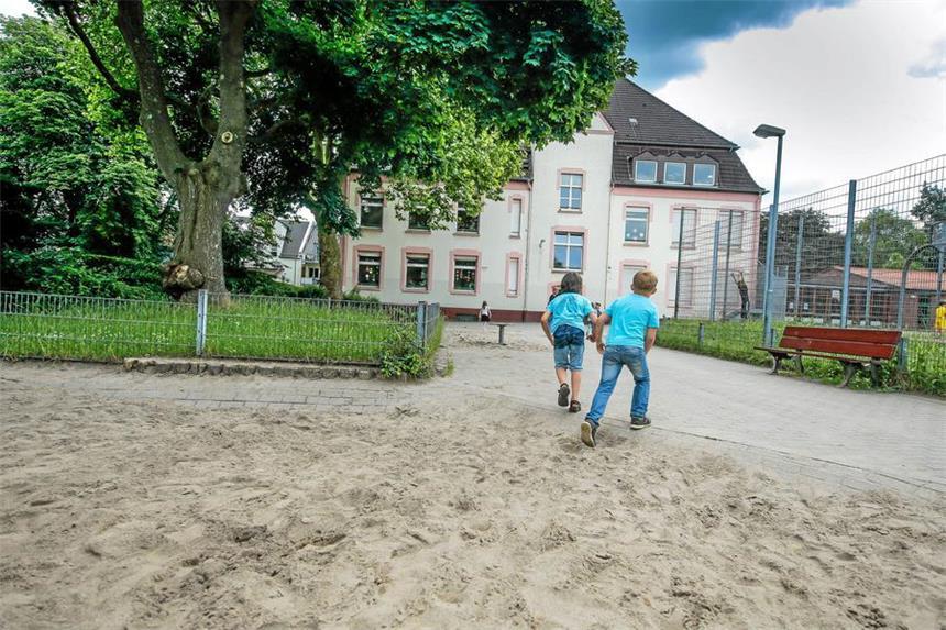 Klettergerüst Schulhof : Nach drei jahren kommt das klettergerüst