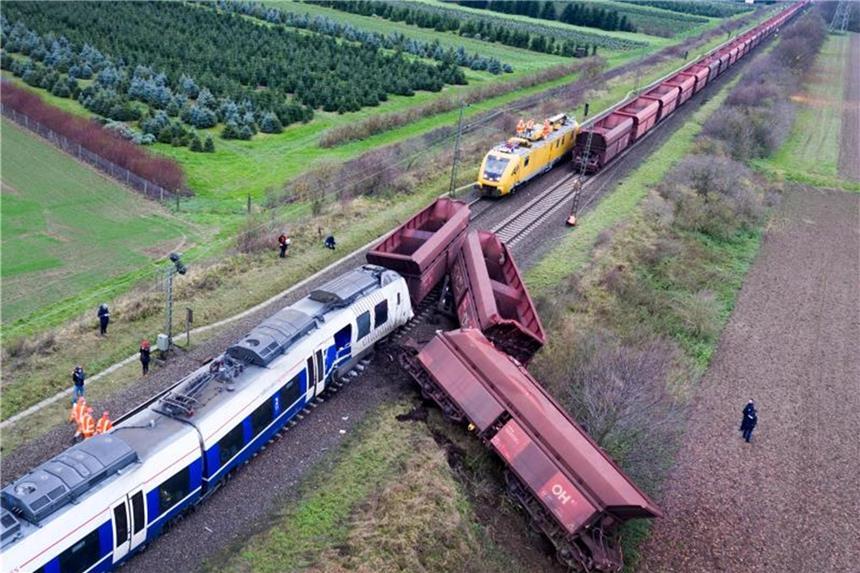 Personenzug bei Meerbusch auf falscher Strecke