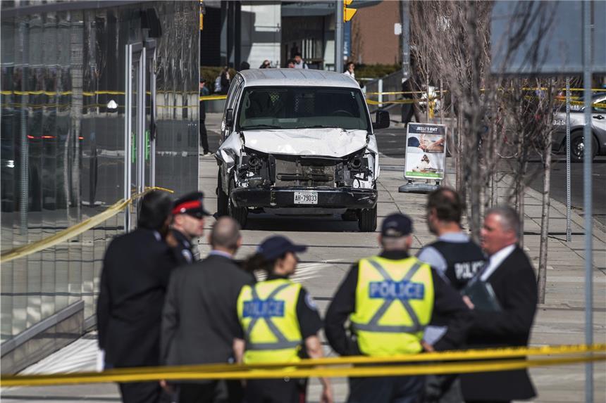 Lieferwagen raste in Toronto in Fußgänger: Neun Tote, 16 Verletzte