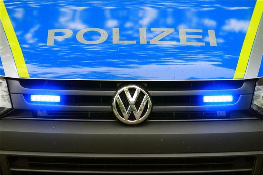 Polizei erwischt mutmaßliche Hehler beim Verladen
