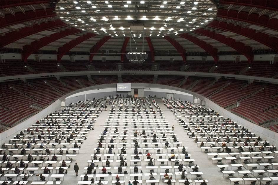 14.000 Studierende legen ihre Klausuren in der Westfalenhalle...