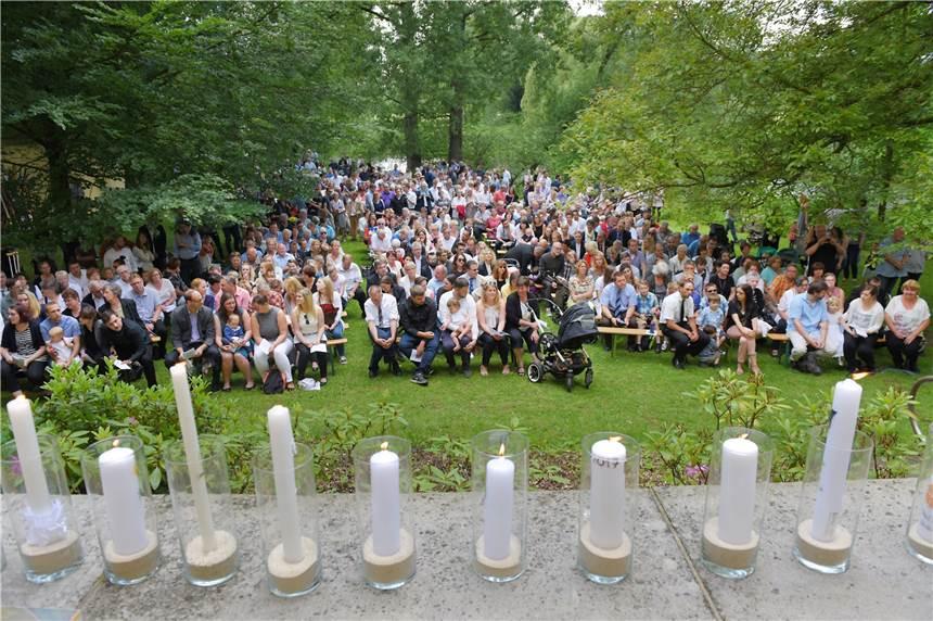 Am Pfingstmontag Wird In Der Ruhr Bei Villigst Und Im