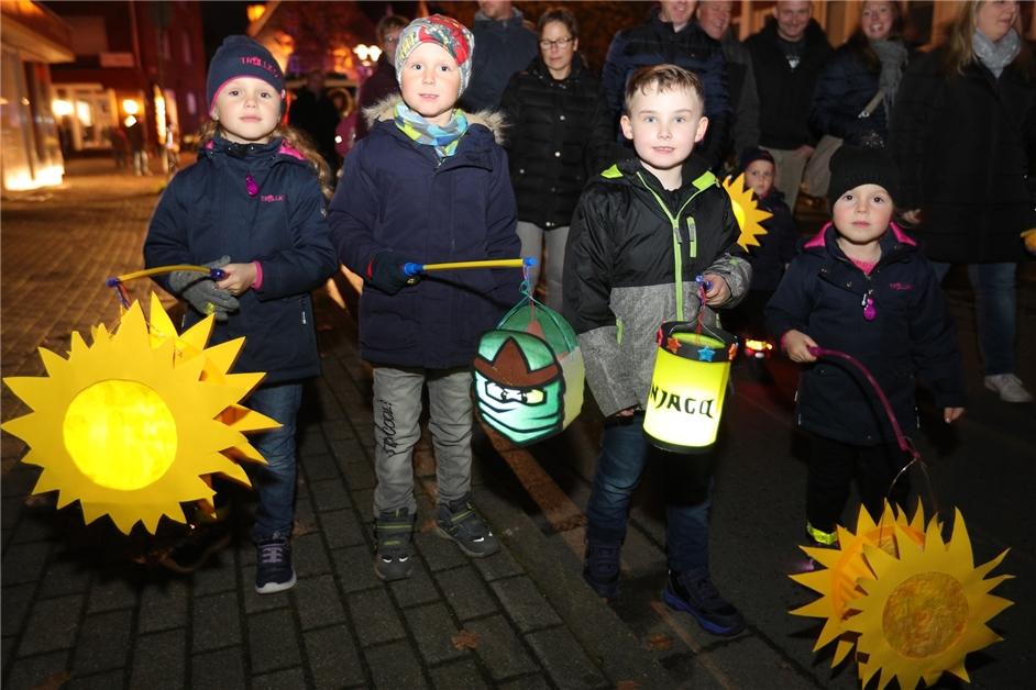 Mit vielen Fotos: So war der Martinszug durch Nordkirchen - Ruhr Nachrichten