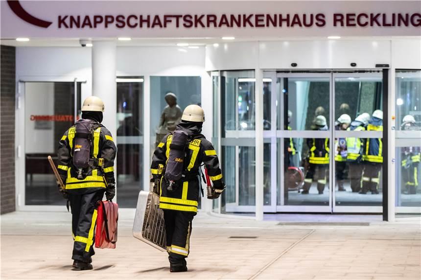 Zwölf Verletzte Bei Feuer In Knappschaftskrankenhaus