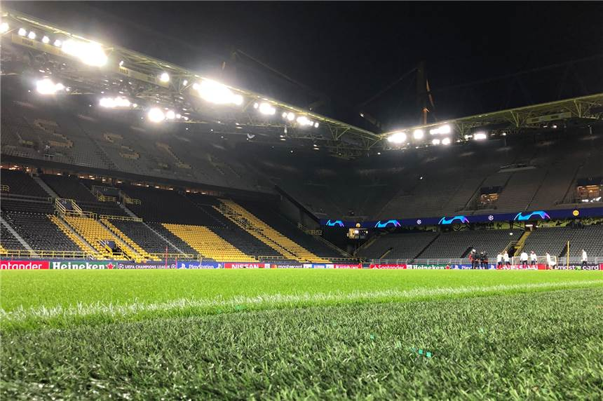 "Borussia Dortmund bekommt den ""Pitch of the Year""-Award."