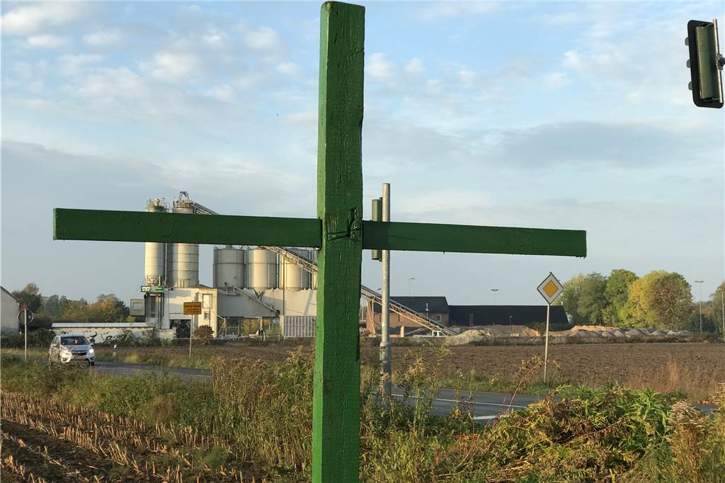 Grünes Kreuz Auf Dem Feld