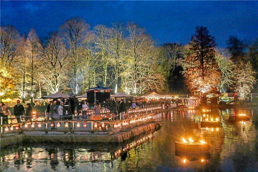 Weihnachtsmarkt Dortmund Bis Wann.Weihnachtsmarkt Im Fredenbaumpark Lockt Mit Lichtern Und Feuershows