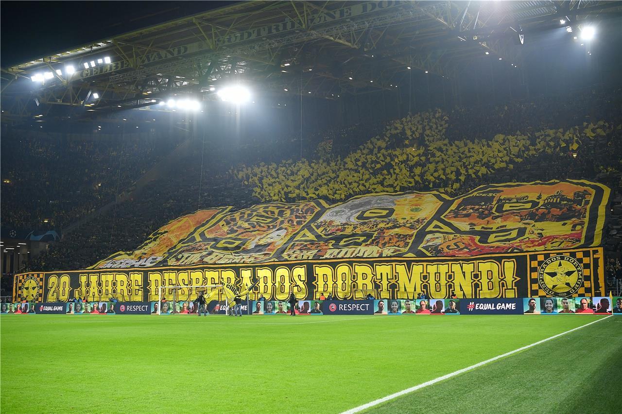 Bvb Gegen Paderborn Ultras Sammeln Im Signal Iduna Park Spenden Fur Krebskranke Kinder Rn