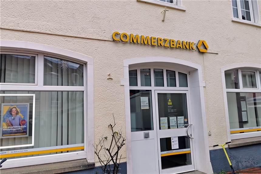 Commerzbank schließt jede zweite Filiale