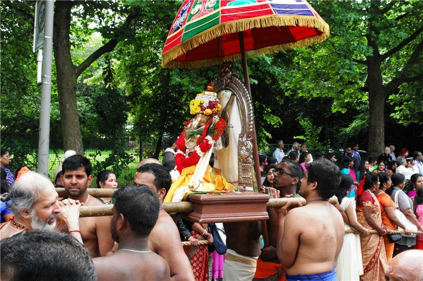 Hindu Temple Hombruch Holds Festival