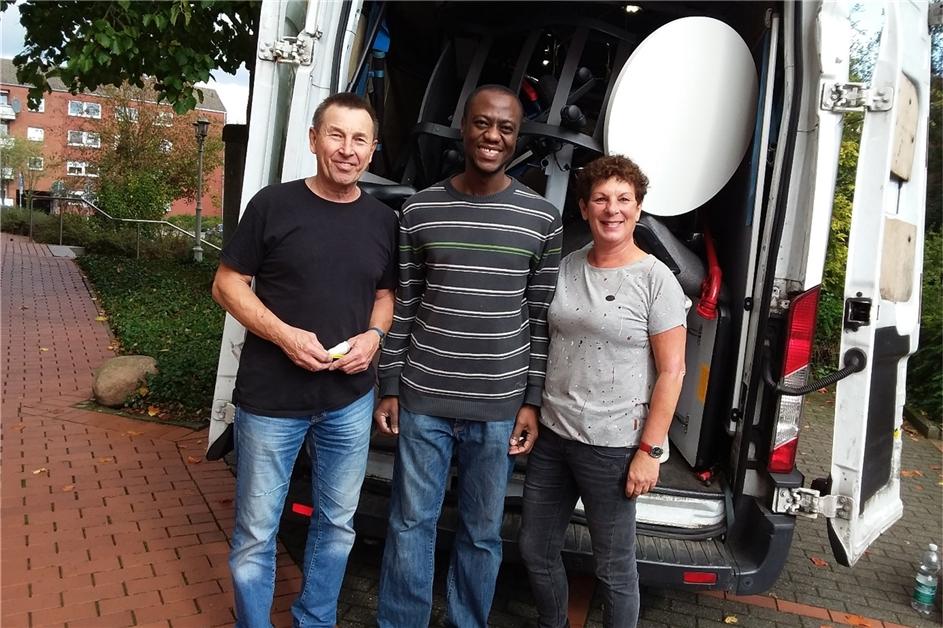 Arzt aus Ghana baut mit Spenden von Dr. Weller aus Dorsten Krankenhaus in Ghana auf - Ruhr Nachrichten