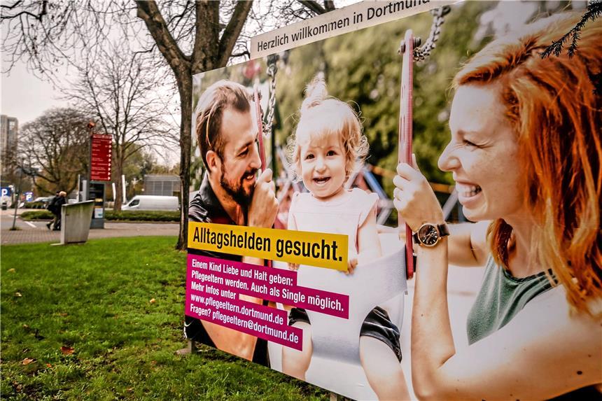 Ungewöhnliches Plakat Wirbt Für Pflegeeltern