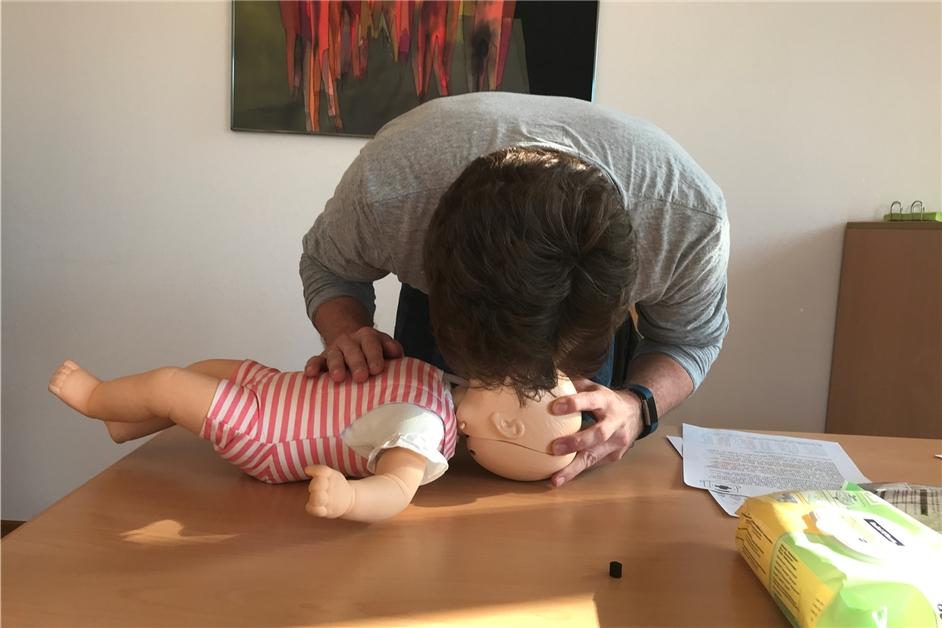 So geht Erste Hilfe bei Kindern richtig: Kurs in Nordkirchen zeigt es - Ruhr Nachrichten