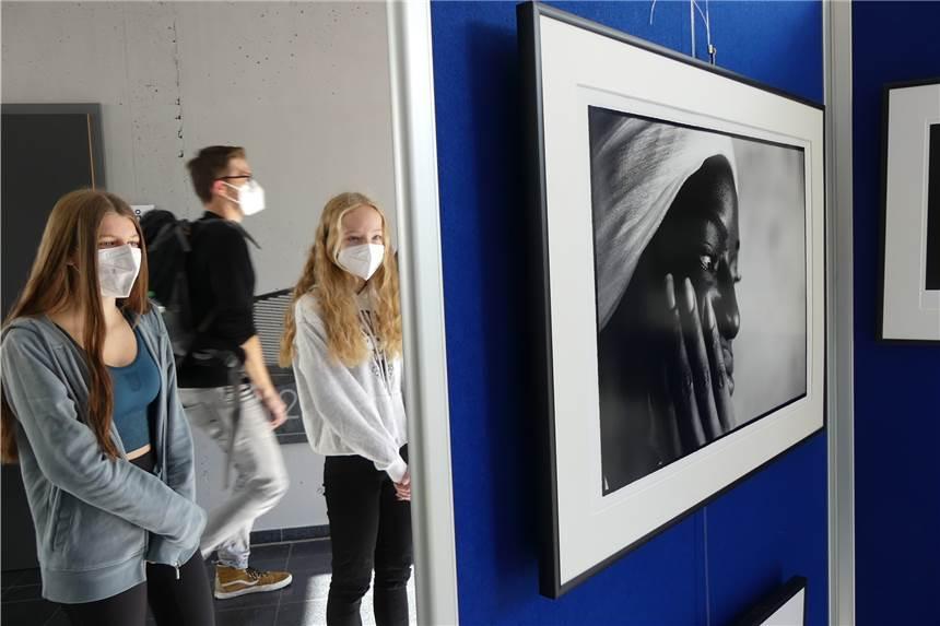 """Ausstellung """"8000undeins"""""""