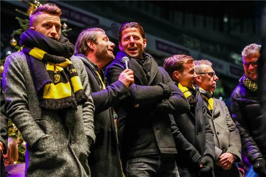 Weihnachtsfeier Bvb.Dortmund Singt Weihnachtslieder Im Signal Iduna Park Infos Zur