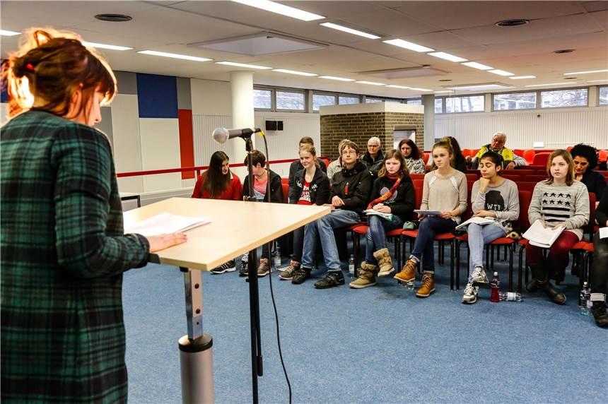 Die Bibliothek Scharnhorst Wird Zur Bühne Für Nachwuchs Autoren