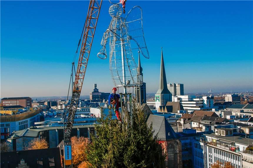 Weihnachtsbaum Schwerte.Der Dortmunder Weihnachtsbaum Hat Endlich Seinen Engel
