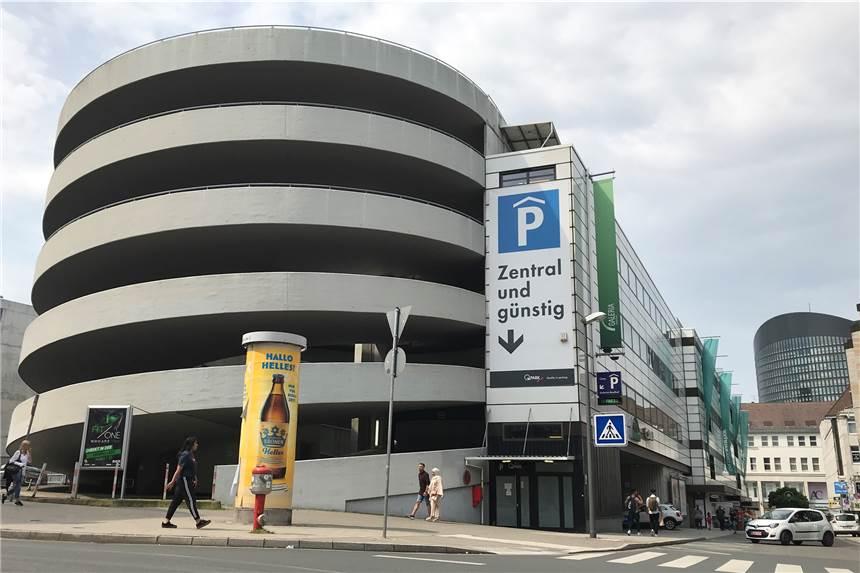 Im Kaufhof Parkhaus Fallen Wegen Sanierung Viele Parkplatze Weg