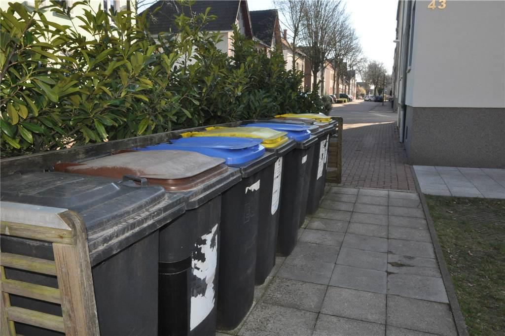 Turbo Warum die Stadt einem Anwohner diesen gepflegten Mülltonnen NX39