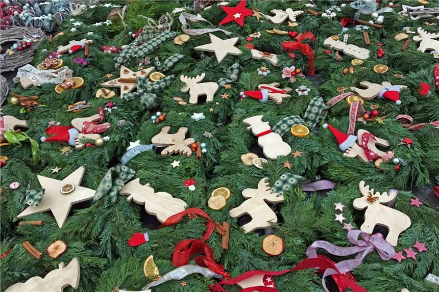 Weihnachtsdeko Zum Essen.Im Meisenhof Verkaufen Häftlinge Und Vereine Weihnachtsdeko