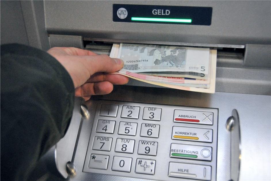 Fotofahndung: Polizei Dortmund sucht Kreditkarten-Betrügerin - Ruhr Nachrichten