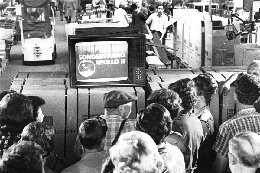 International USA feiern 50 Jahre Mondlandung