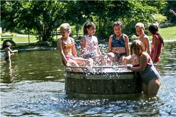 Stadt nennt Zeitplan f�r teuren Westfalenpark-Spielplatz