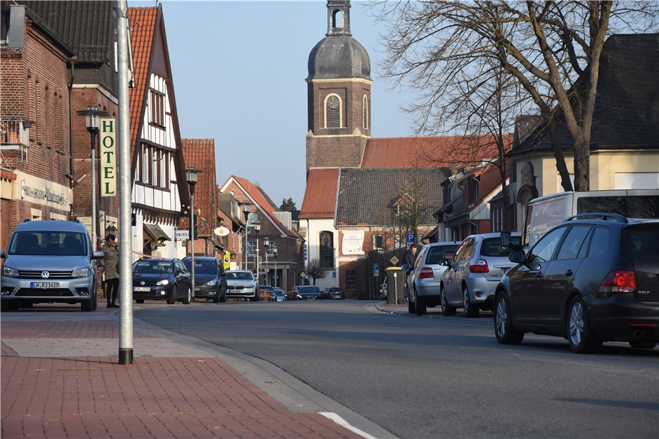 Raser auf der Schloßstraße: Mit diesen Ideen will die CDU den Ortskern sicherer machen - Ruhr Nachrichten
