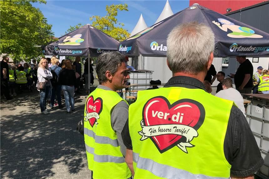 Mitarbeiter Von Primark Kaufhof Hm Und Ikea In Dortmund Streiken
