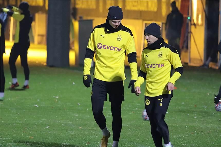 Zurück im BVB-Mannschaftstraining: Raphael Guerreiro (r.).